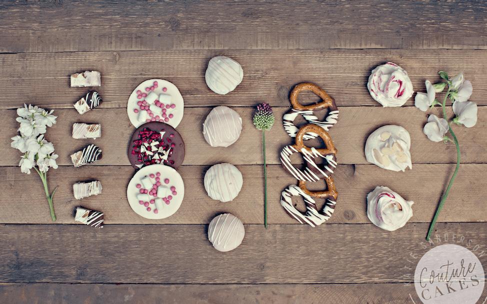 Vintage-Botanical-Dessert-Table-Cake-3