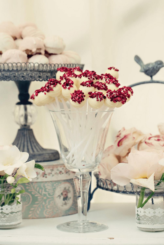 vintage-dessert-cake-display-3