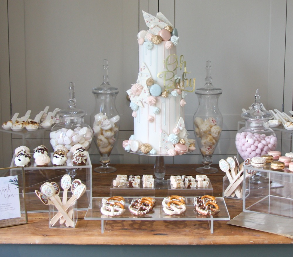 Patisserie Drip Cake, 100 portions, Price £495, plus treats £35 per set
