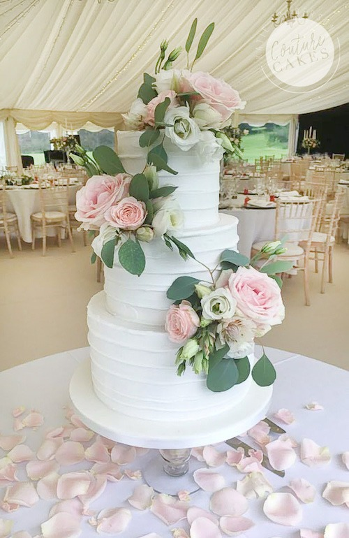 Rustic Iced Wedding Cake, Serves 100, Price category B £445