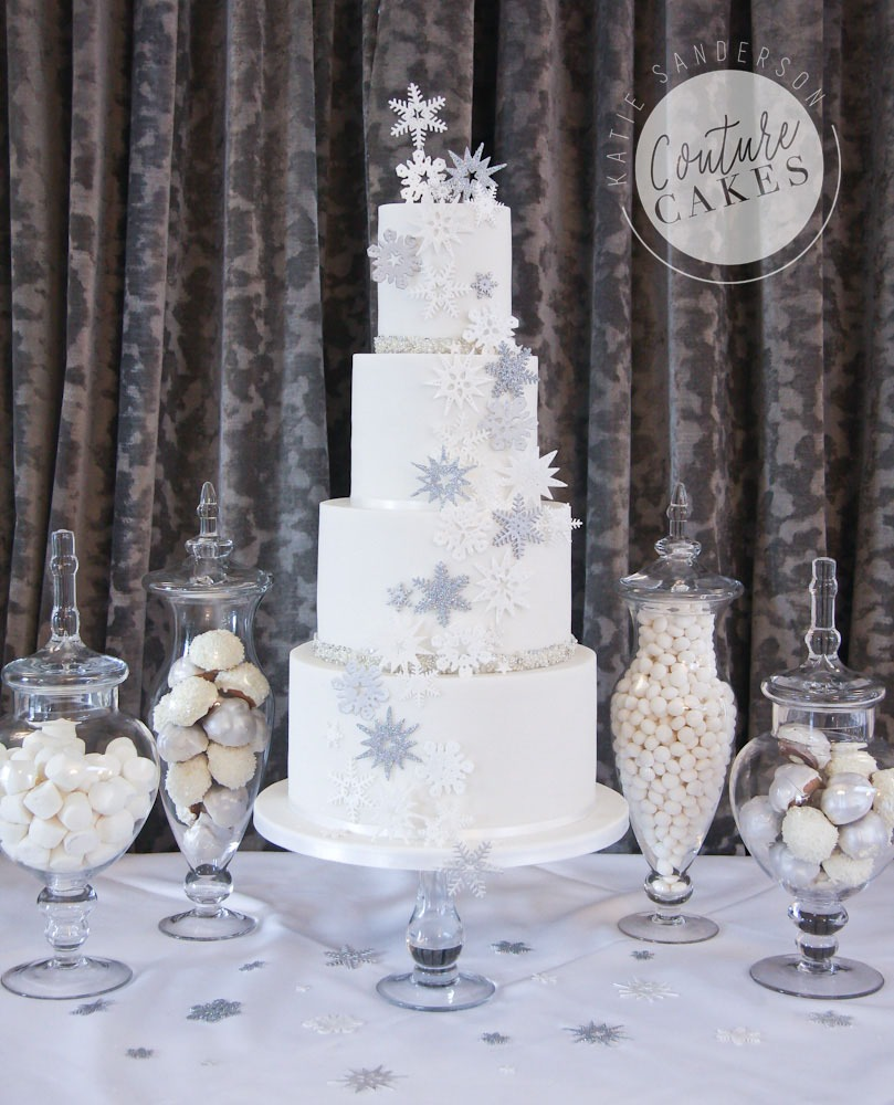 Snowflake Wedding Cake, Serves 135, Price Category B, £693 excl treats